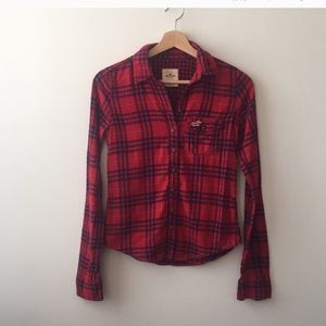 Hollister • Red & Blue Flannel Button Down